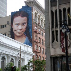 Slika Grete na zgradi